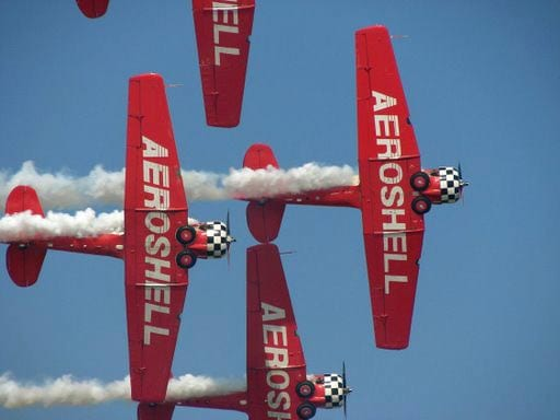PilotMall sweepstakes to award ride-along with Aeroshell Aerobatic Team