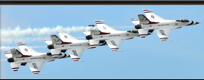 Thunderbirds highlight AirVenture airshows