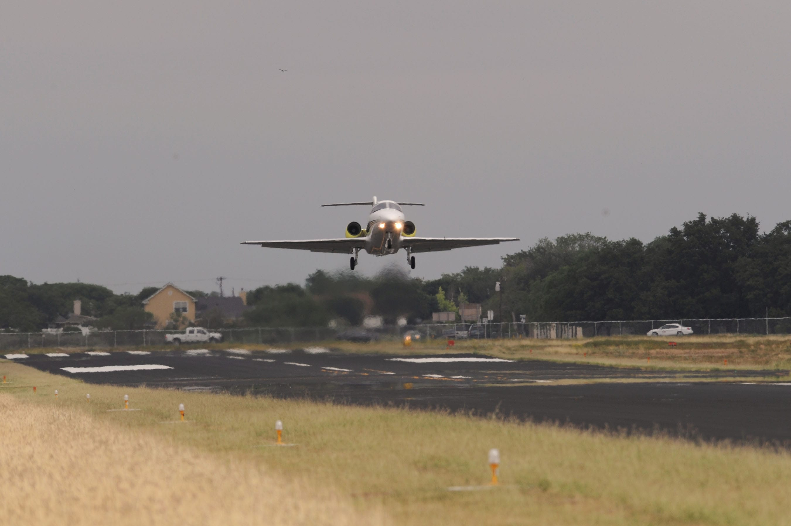 First flight for Hawker 400XPR engine test article