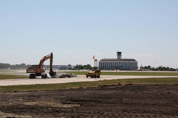Construction begins on DuPage runway project