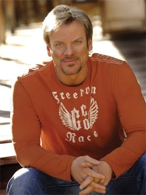 Country star Phil Vassar to perform at Oshkosh