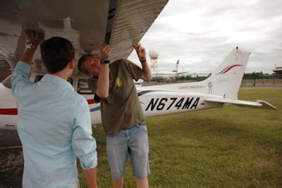 Camp gives kids behind-the-scenes look at aviation