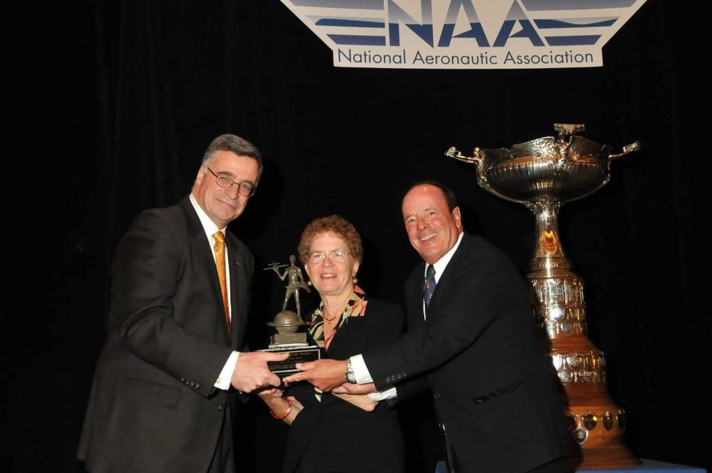 John and Martha King receive Brewer Trophy for aviation education