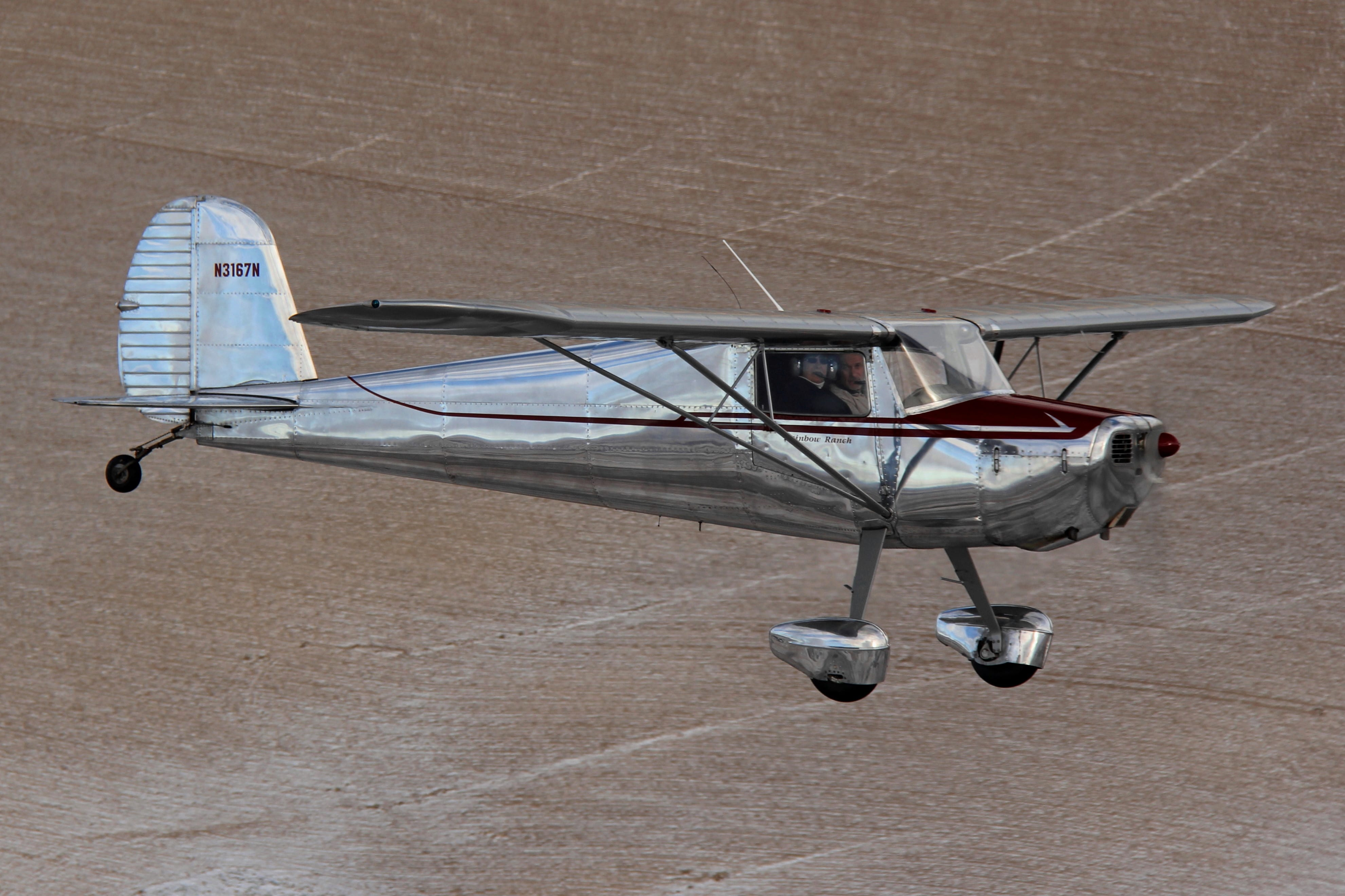 Bob and Jane Hoff relive their first date in the same Cessna 120. Photo by Thomas Hoff.