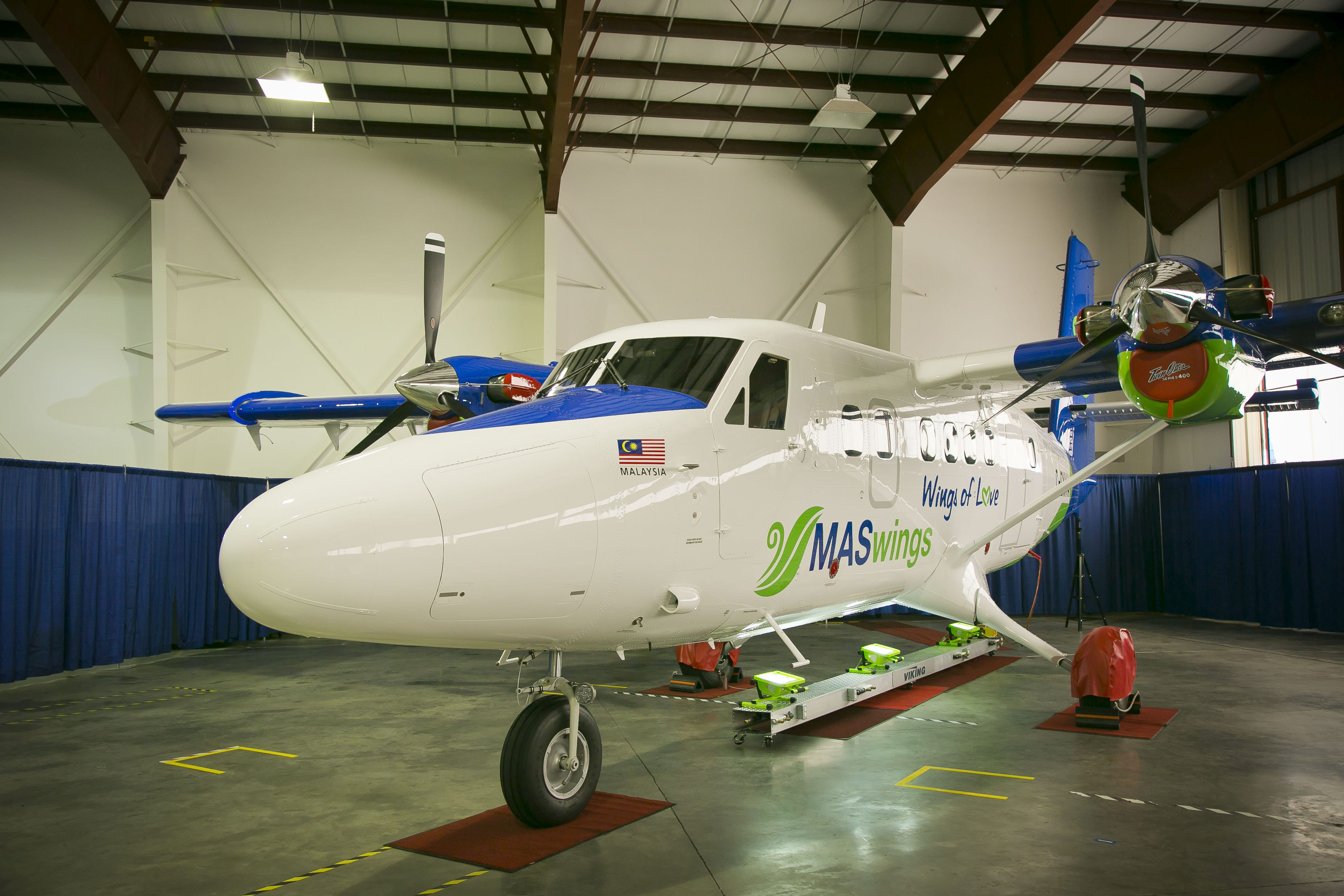 Viking celebrates completion of 50th Twin Otter 400
