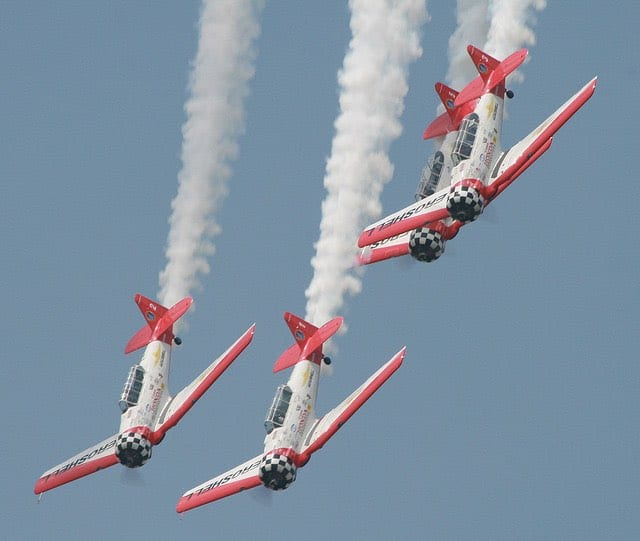 The Aeroshell Aerobatic Team are favorites at airshows.