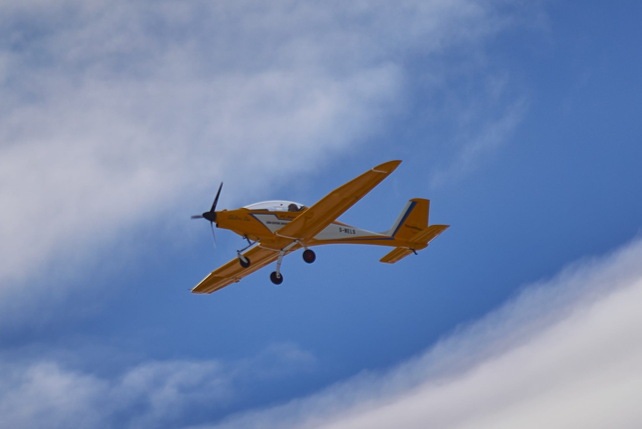 Httpsgeneralaviationnews20151210rv 6 anniversary to be electric flight noise testg fandeluxe Choice Image