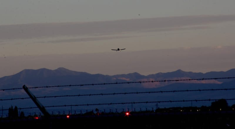 Up before the sun: Race 53 lifts off from U77, Spanish Fork, Utah to cross the mountains to Price, Utah. (Photo by Lisa F. Bentson)