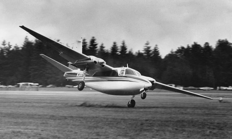 On a cloudy August day in 1970, Bob Hoover touched down on one wheel in the dusty turf beside the paved runway at Abbotsford, B.C. Photo by Frederick A. Johnsen