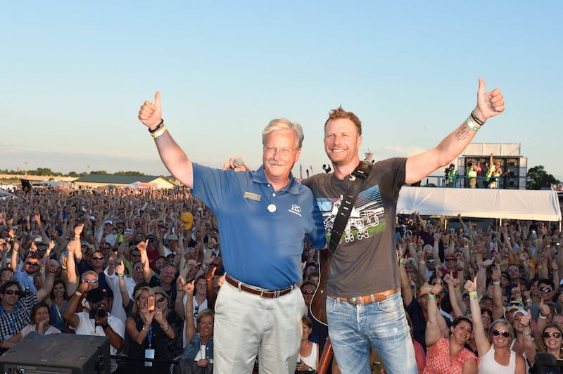 Jack Pelton and country music star — and pilot — Dierks Bentley at the opening day concert of AirVenture 2014.