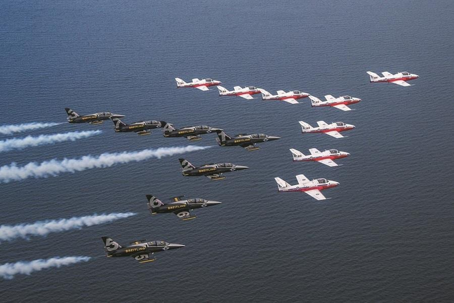 The team flying with the Canadian Forces Snowbirds in Toronto