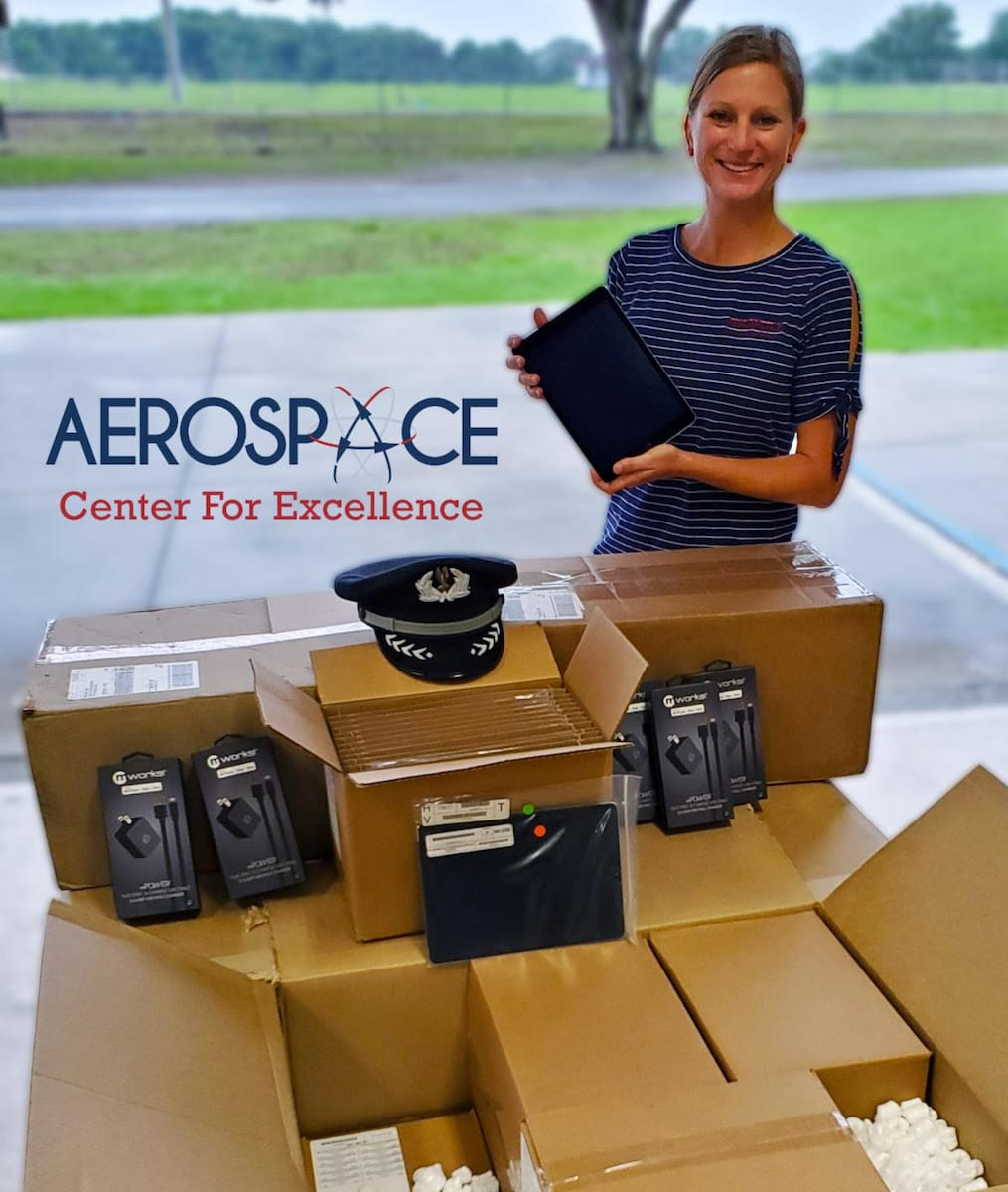 Airline donates iPads to students